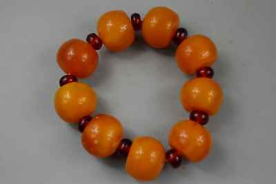 Chinese Collectable Amber Carve Gloosy Bead Royal Fmaily Use Fashion Bracelet