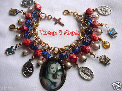 Madonna And Child Mary Jesus Saint Religious Medals Charm Bracelet Vintage Beads