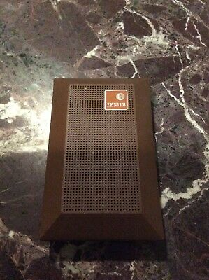 Vintage Zenith Royal 16 Pocket AM Transistor Radio - Not Working