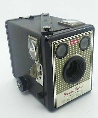 Vintage Kodak SIX-20 Brownie Flash II Box Camera