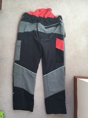 Oregon Chainsaw Trousers - size LARGE