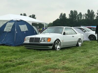 Merecedes 230ce W124 Coupe.