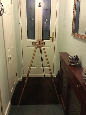Windsor And Newton Artist's Easel.