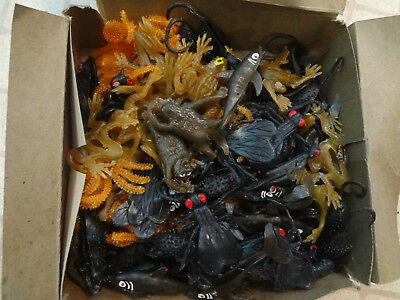 NOS box of Rubber Vending Machine Creatures ! Dated 1974(45 years old)