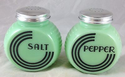 Large Range Size Jadite Green Glass Round Flat Front Black Lines Salt Pepper Set