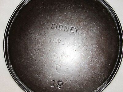 Vintage Sidney #12 Bailed Griddle