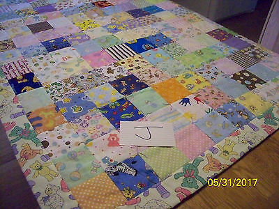 Lot J Homemade Quilt Multi Colored Bears 41 inches x 52 inches Cotton