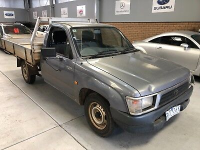 2001 Toyota Hilux 2Wd Tray-Manual-335K's-Drives Well-Now $2,200 Wholesale