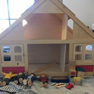 Dolls House - Wooden+accessories