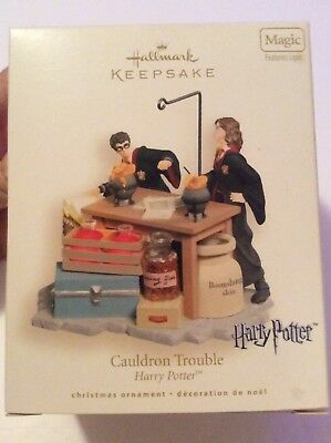 Hallmark Keepsake HARRY POTTER Couldron Trouble Ornament