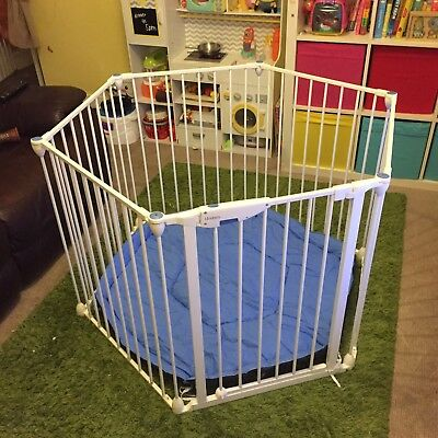 Lindam white Metal Safe & Secure Playpen Room-Divider with cushion pet puppy