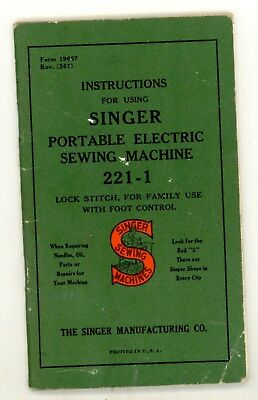 Singer 221-1 Featherweight Portable Sewing Machine w/Case Accessories & manual