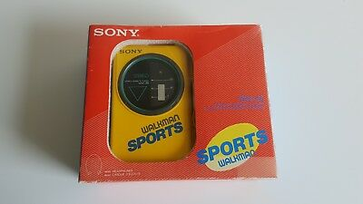 Sony Sports Walkman WM-35 Vintage Portable Stereo Cassette Player Complete w Box