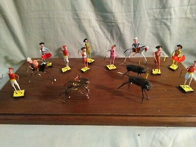Vintage Mid-century Wire And Clay 14 Miniature Madador And Bull Figures
