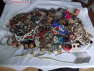 17.4 LBS OF VINTAGE TO NOW JEWELRY LOT  WEAR / RESALE / CRAFT NO JUNK lot # 2
