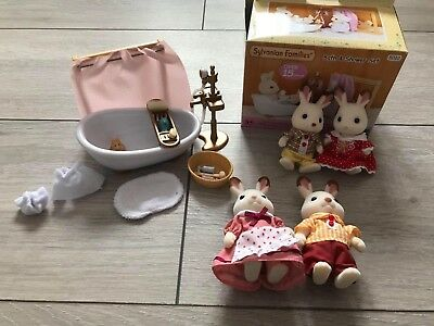 sylvanian families set bathroom & shower and included 4 figures