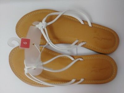 f76233a731f863 NWT by UNIVERSAL THREAD White String Thong Flip Flop Sandals Women s Size 6