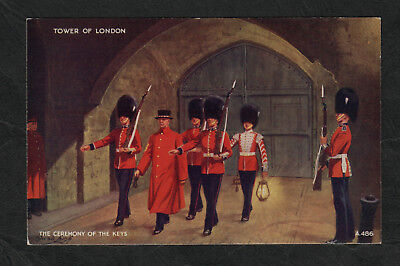 e3099)        EARLY ROYALTY POSTCARD CEREMONY OF THE KEYS TOWER OF LONDON