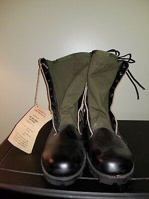 Vietnam War US Army Pair of Jungle Boots size 11 R