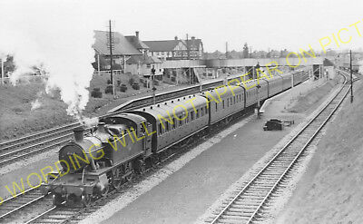 Iver Railway Station Photo. Langley - West Drayton. Slough to Southall Line (17)