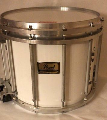 Pearl FFXP Pipe Marching Snare weiß inkl. Hardcase