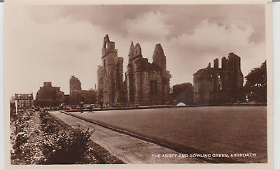Arbroath - The Abbey And Bowling Green - Scotland - Postcard #  # 18582