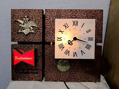 Vintage Budweiser  King  Of  Beers  Lighted  Wall  Clock