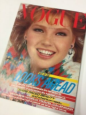 Classic Fashion * * Vintage Vogue 1982 January * * Retro collector's item