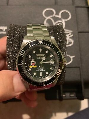 New INVICTA MICKEY MOUSE Mens Watch Disney Limited Edition Christmas