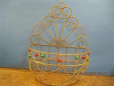 Vintage Christmas Decoration Wire w Gold, Red and green plant wall door holder