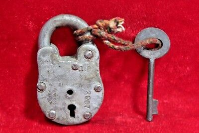 Vintage Collectible Old Iron Handcrafted Lock and Key Collectible BE-92