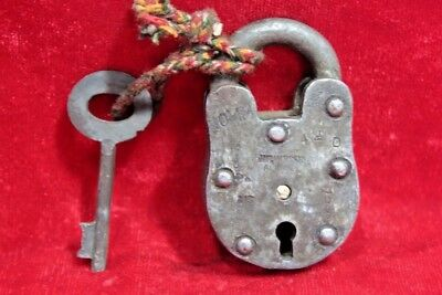 Vintage Collectible Old Iron Handcrafted Lock and Key Collectible BE-91