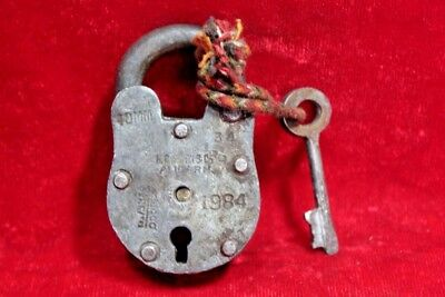Vintage Collectible Old Iron Handcrafted Lock and Key Collectible BE-88