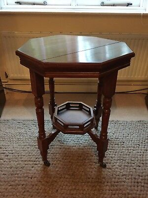 Antique Victorian Mahogany Centre Table – or suit hall / side / lamp table use