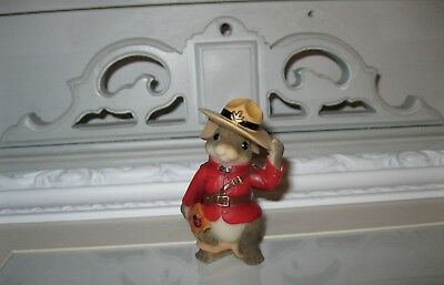 Charming Tails Canadian Canada Mouse Figure International