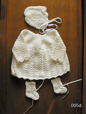 BABY WHITE  HAND  KINTTED  DRESS SET 0 to 3 months  DRESS HAT BOOTIES NEW