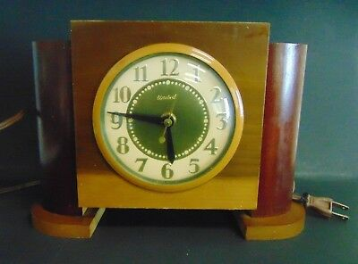 1960s United Model 75 Art Deco Gold Tone Wood Electric Mantle Clock Vintage