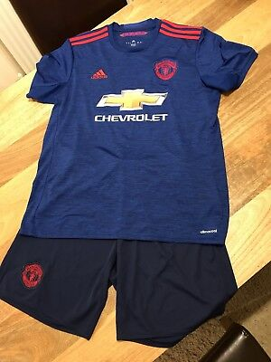 Mens Manchester United Kit Size Medium And Large BNWOT