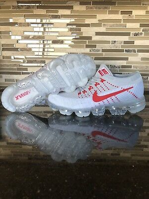Nike Vapormax flyknit- Light Grey w Touch of Red