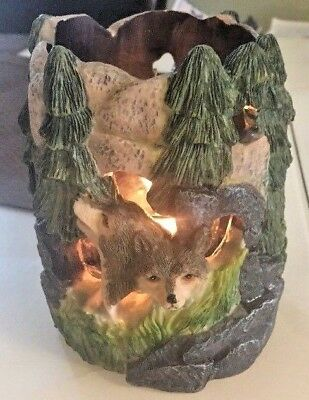 Wolves Howling Candle Holder Resin Sculpture Green Forest 3D Illuminating  Scene