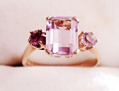 Lovely Vintage 9CT Gold and Amethyst Trilogy Triple Stone Ring - US 6.5, UK M.