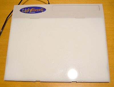 ARTOGRAPH Light Tracer II Light Tracer Box 12 in. x 18 in. - Made in U.S.A.