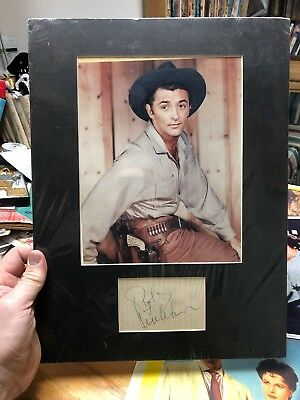 Robert Mitchum Lobby Card Set Plus Signed Autographed Display Lot Of 6