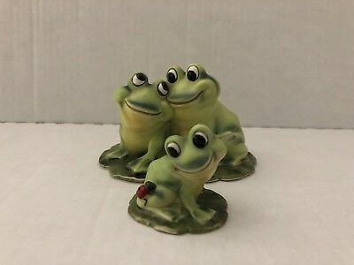 Vintage Josef Originals Frogs Couple in Love, On Lilypad, With Baby Frog,Japan