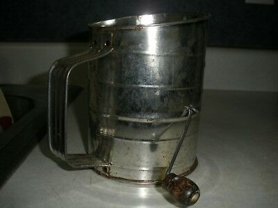 Vintage Rustic Bromwell's Tin 3 Cup Measuring Flower Sifter With Wooden Handle