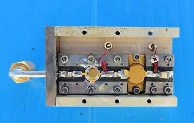 RF Microwave GHZ Amplifier approx. 1-2 W,  Attached SMA Cable with Connector