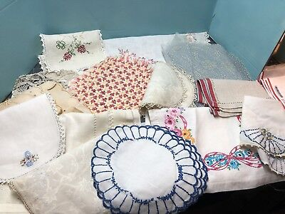 Huge Lot Of Vintage Linens Crochet Doilies...LQQK! #3