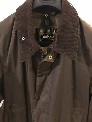 BARBOUR -A190 BEAUFORT WAX COTTON JACKET -- C44/112 CM —very Light Use