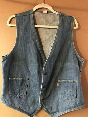 Vintage Levi's Men's Denim 3 Snap Vest Light Denim Color Size L