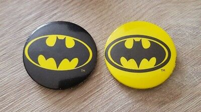 Official Batman Black & Yellow DC Comics 1989 Vintage Retro Safety Pin Badge